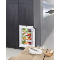 Liebherr SIBP 1650 Vestavná chladnička s celoprostorovou BioFresh zónou, pevné panty, A+++